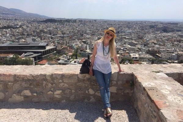 akropoliskukkulan muurilla