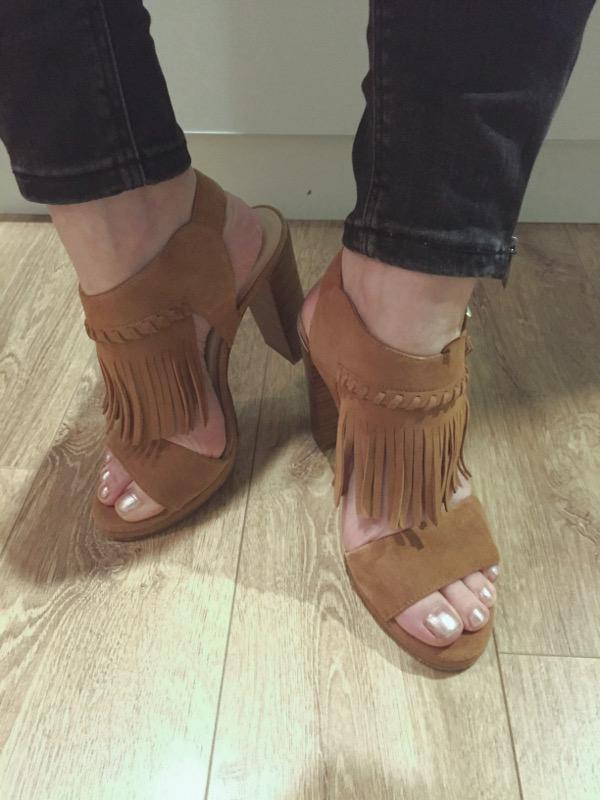 unisa-sandals