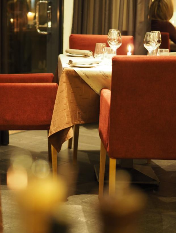 viihtyisä ravintola Tallinnassa